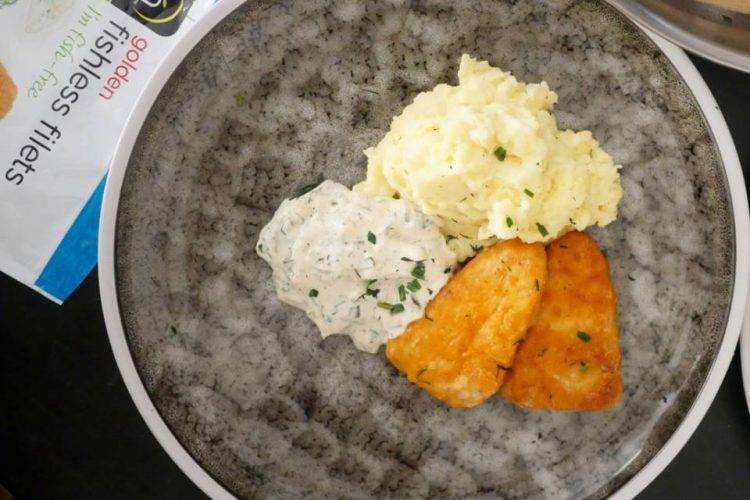 Fishless Filet med kartoffelmos og remoulade